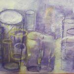 Glaeser in lila und gelb umrandet und uebereinander gelagert